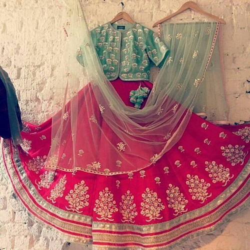 beautiful embroidered Pink Wedding lehenga